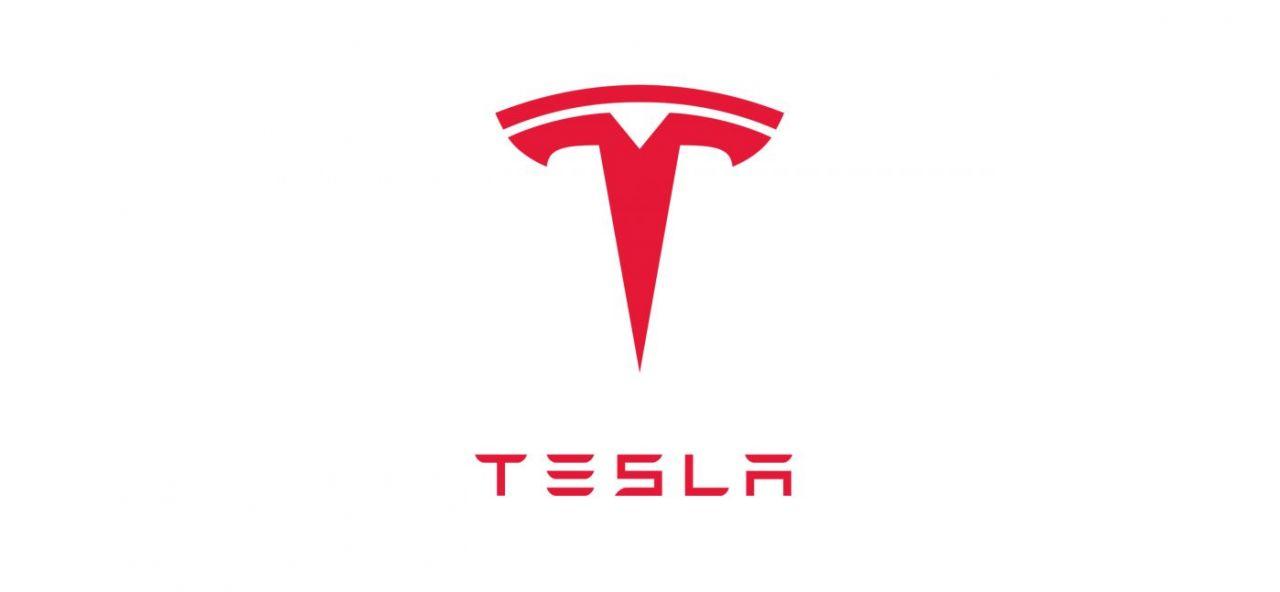 Tesla vänder förlust till vinst